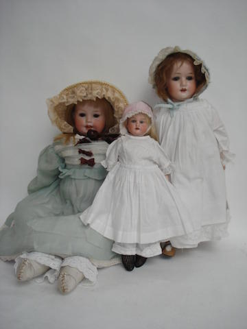 P.M 820 bisque shoulder head doll 3