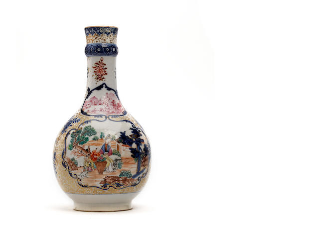 A Chinese export porcelain vase  Circa 1770-1800