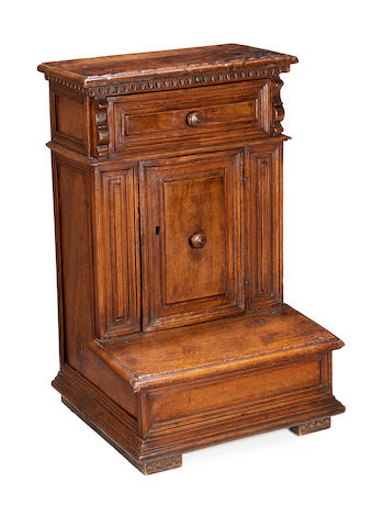 An Italian early 17th century walnut prie dieu