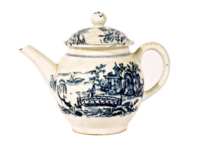 A Lowestoft teapot and cover, circa 1775
