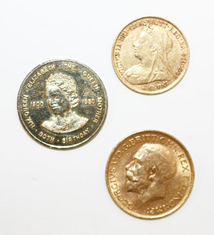 A George V sovereign,