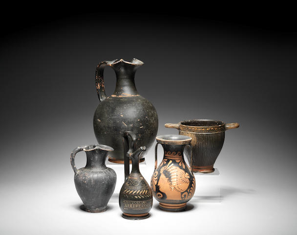 Five South Italian and Etruscan pottery vessels 5