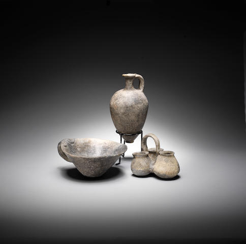 Three Ancient Near Eastern grey-burnished  pottery vessels 3