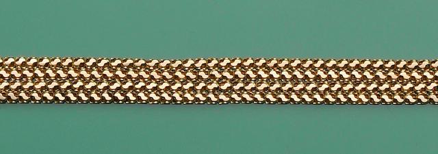 A fancy-link long chain