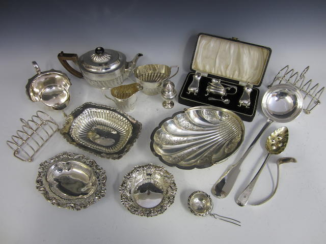 A Victorian silver three piece tea service by John Round, Sheffield 1900  (Qty)