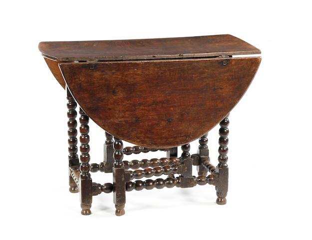 19th century turned oak gateleg table