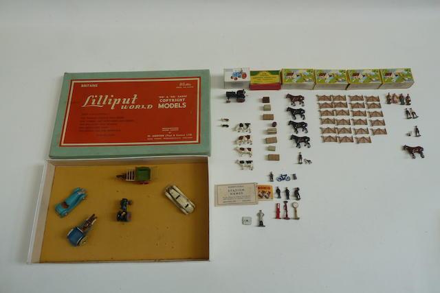 Britains Lilliput set LV/SA 122