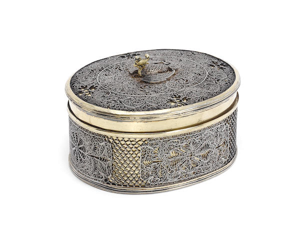 continental silver and silver-gilt oval box with applied filigree decoration, unmarked