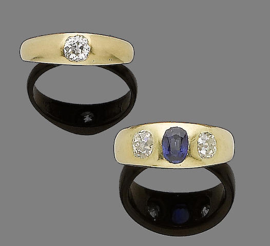 A sapphire and diamond ring and a diamond single-stone ring (2)