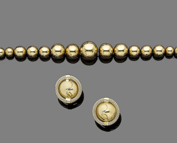 A necklace and bracelet suite, and a pair of earrings (3) (partially illustrated)
