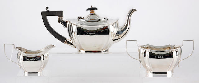A silver three piece tea set, by Britton, Gould & Co., Birmingham, 1931,  (3)