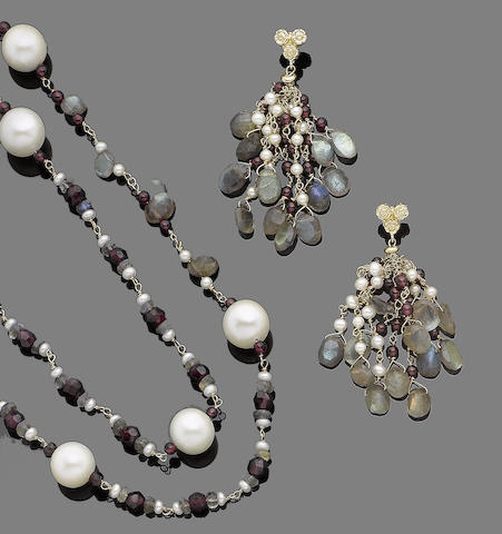 A garnet, labradorite and cultured pearl  necklace and pendent earring suite (2)