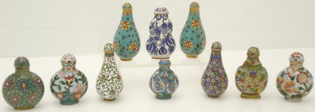 Ten cloisonné snuff bottles with foliate designs 19th/20th century