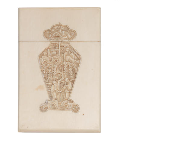 A late 19th/early 20th century Chinese carved ivory card case,  circa 1900  (8)