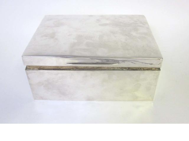 An Edwardian silver cigar box, by William Comyns London 1909,