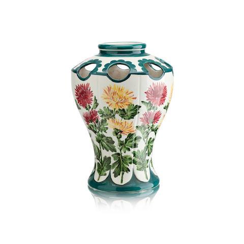 A Wemyss Kenmore vase 'Chrysanthemum'