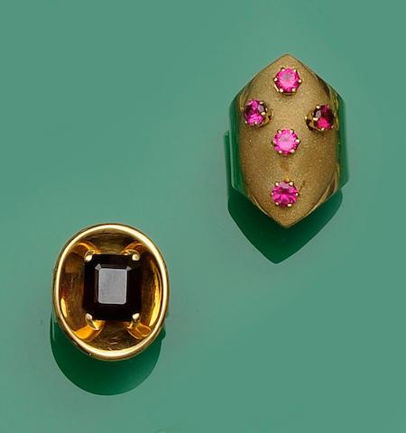 Two gem set dress rings (2)