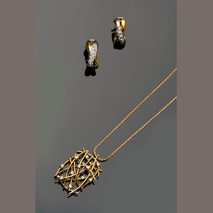 A pair of diamond earrings and a diamond set pendant necklace (2)