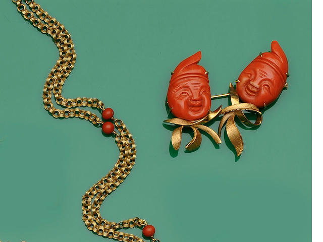 A coral brooch and a coral necklace (2)