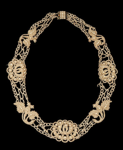 An early 19th century seed pearl necklace