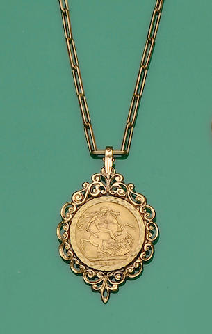 A sovereign pendant and fancy-link chain (4)