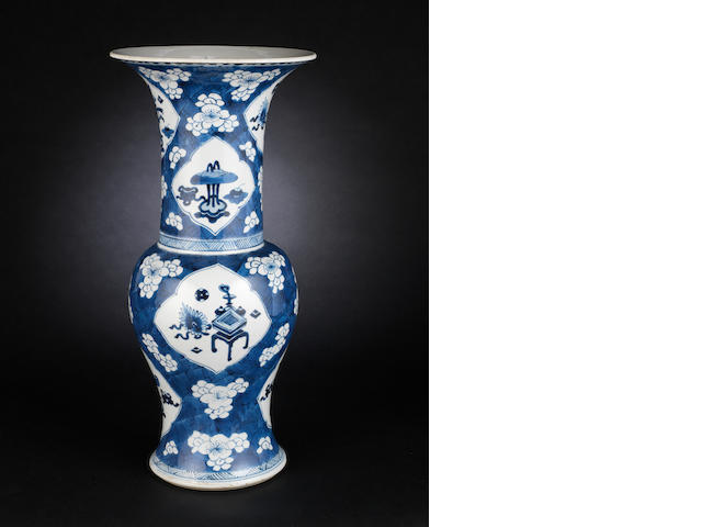 A blue and white, 'hawthorn-pattern' yenyen vase  Kangxi