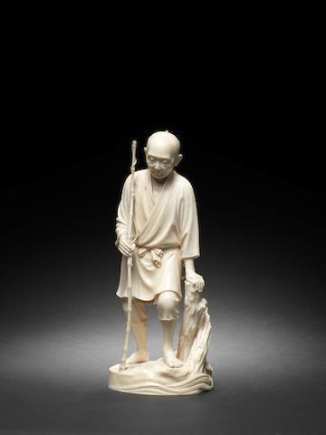 An ivory figure of a fisherman By Shinko/Chikataka, Meiji Period