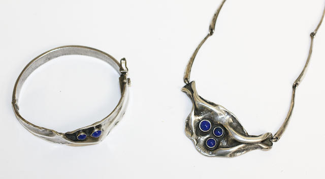 A lapis lazuli set necklace and bangle, ensuite, (2)