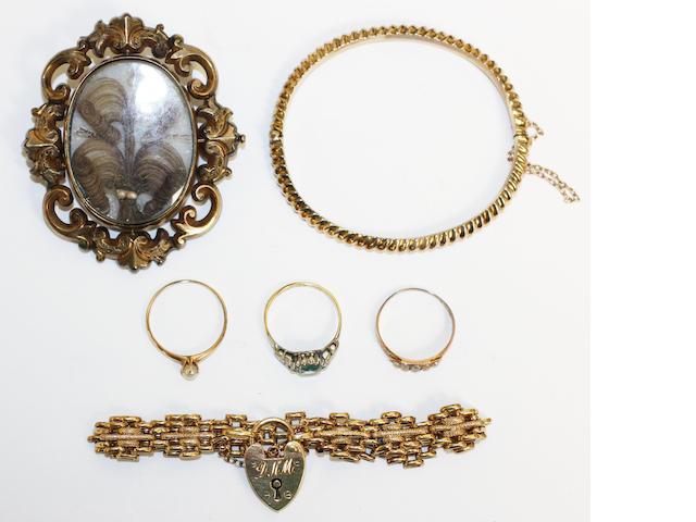 A 9ct gold gate-link bracelet, (6)