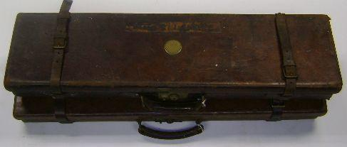 A Holland & Holland leather single-guncase (2)