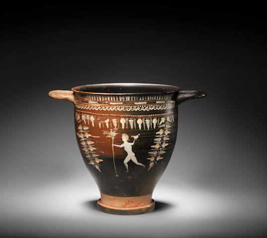 A large Apulian Gnathian ware skyphos with figure on either side