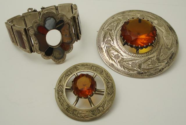 A collection of Scottish jewellery  (3)