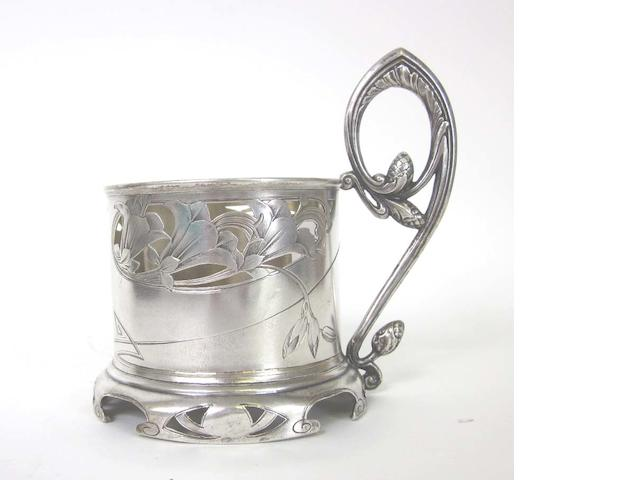 A Russian Art Nouveau silver lemon-tea glass holder maker's mark BA Cyrilic, kokoshnik for 1896-1908  (7)