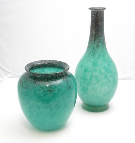 A Monart vase Shape HF