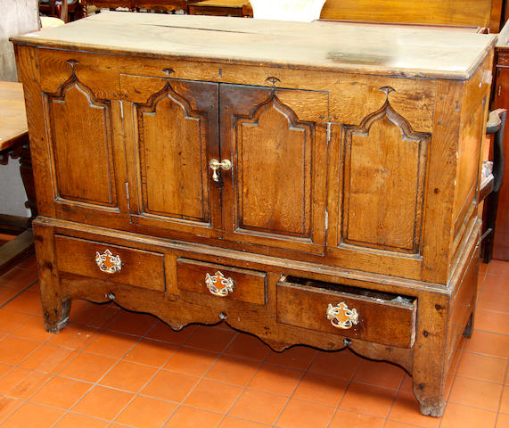 An English provincial oak mule chest,