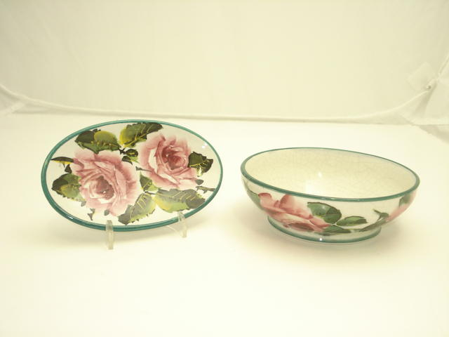 A Wemyss small bowl and soap dish 'Cabbage Roses'