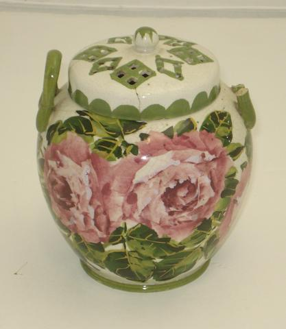 A Wemyss 'Cabbage Roses' pot pourri