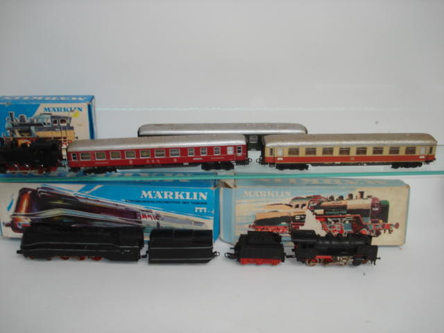 Marklin HO locomotives, coaches, rolling stock and accessories lot