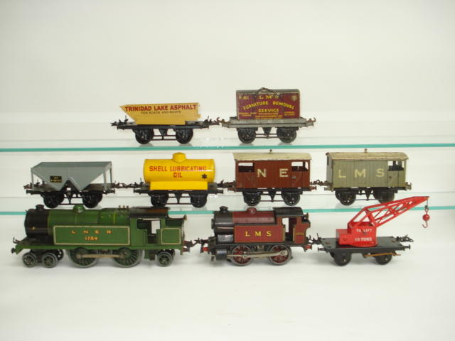 Hornby Series locomotives, rolling stock and accessories lot