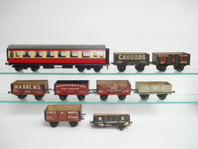 Bassett-Lowke 110/0 1st class BR coach and Leeds private owner wagons 10