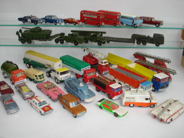 Collection of Dinky Toys lot
