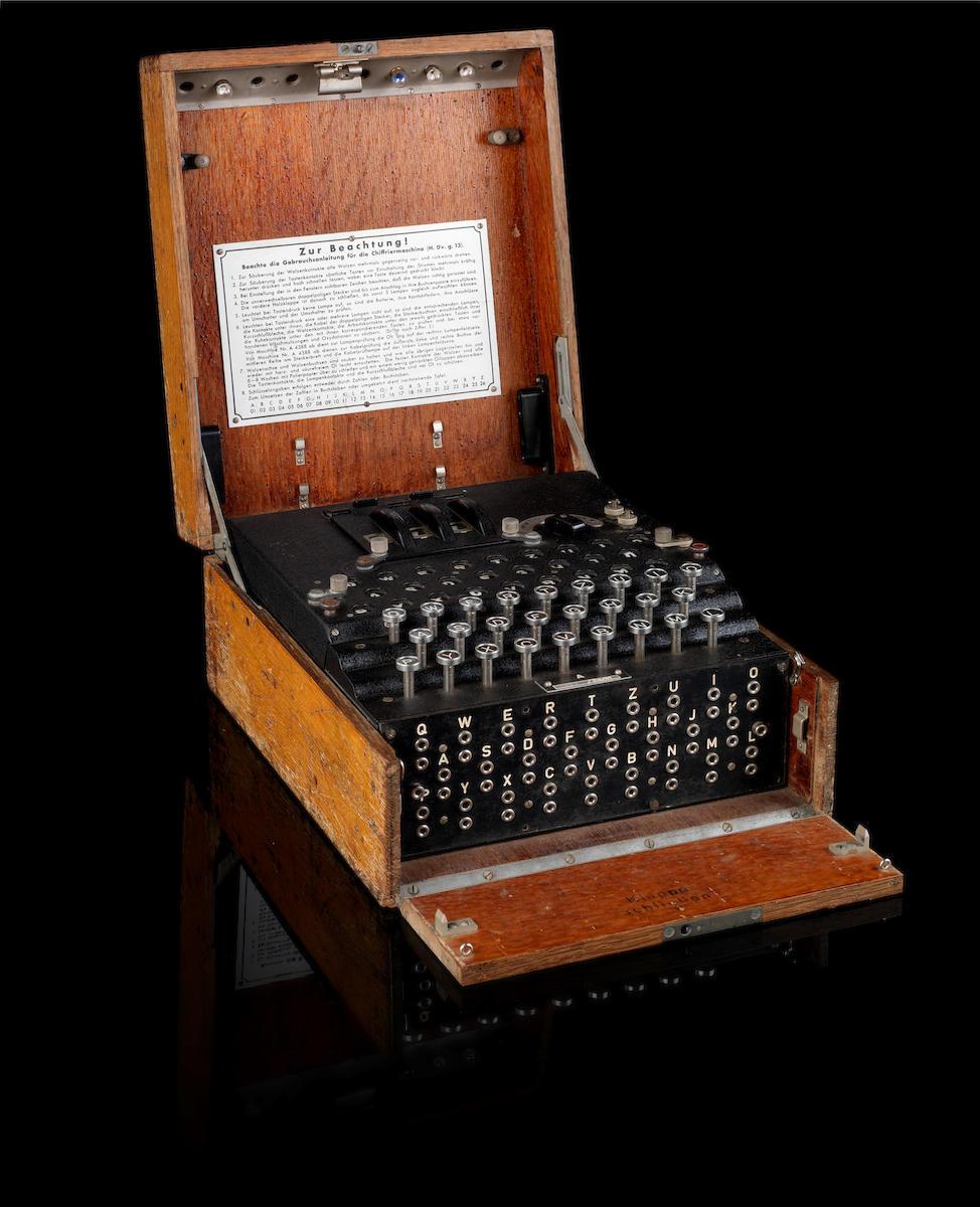 An Enigma Code Machine in original oak case,No. 13598/jla/44