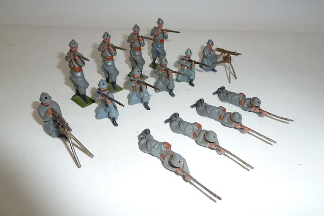 Britains set 215, French Infanterie de Ligne, steel helmets, firing 14