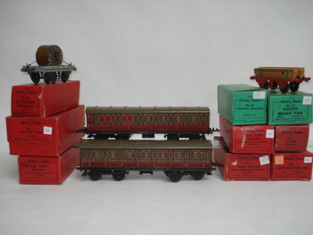 Hornby Series Passenger coaches and rolling stock lot