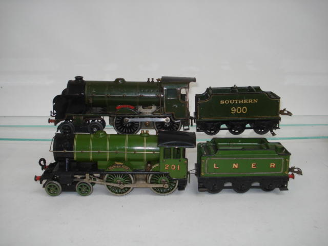 Hornby Series c/w No.2 Special 4-4-0 Bramham Moor and LNER tender 2
