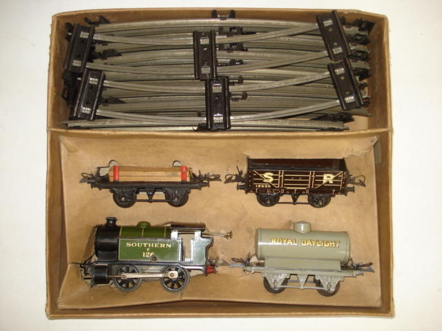 Hornby Trains c/w Southern 201 Goods set