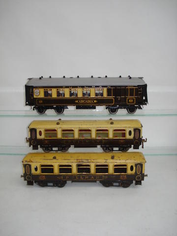 Hornby Series No.2 Pullman coaches 4