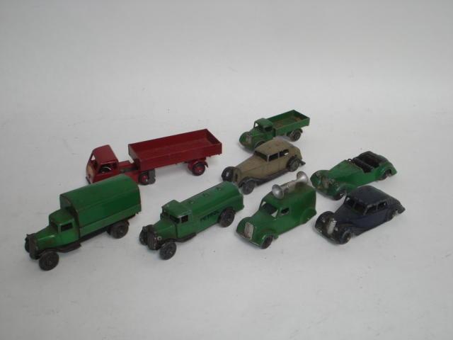 Dinky 25d Petrol tank wagon lot