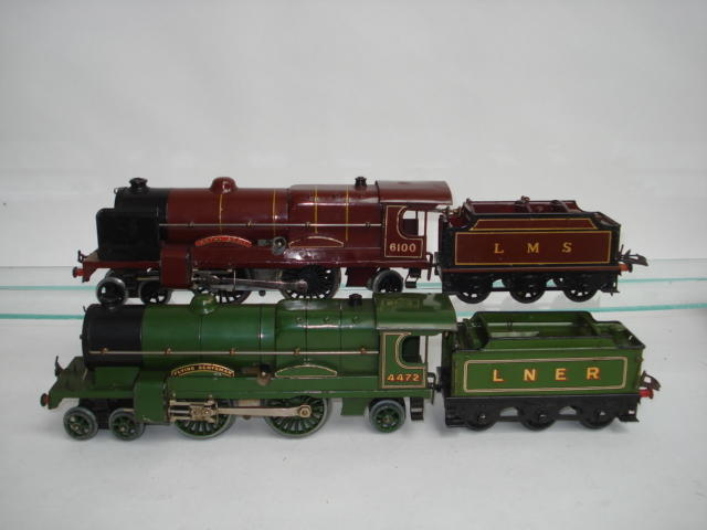 Hornby Series c/w No.3 locomotives Flying Scotsman and Royal Scot 2