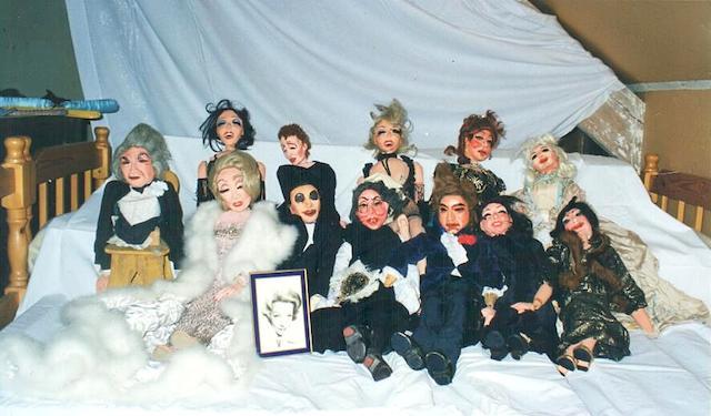 'Le Theatre Magie' puppet theatre lot
